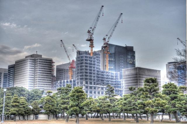 東京駅方面の建設中のビル